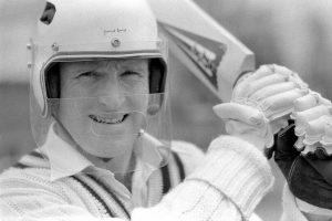 Dennis Amiss Primeiro Capacete de Críquete.