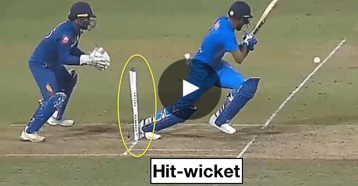 Rebatedor fora por acertar o wicket